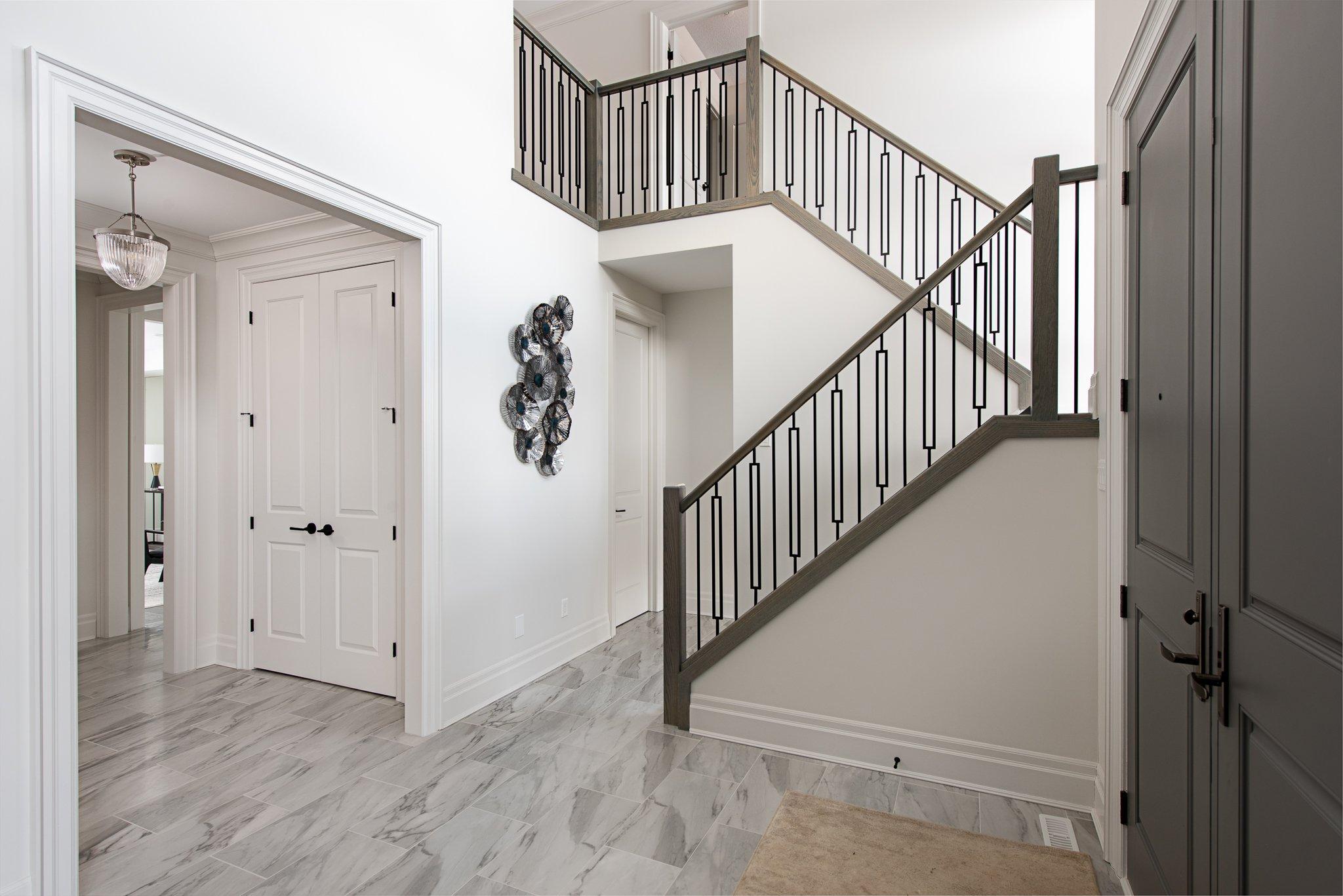 Preston III Foyer